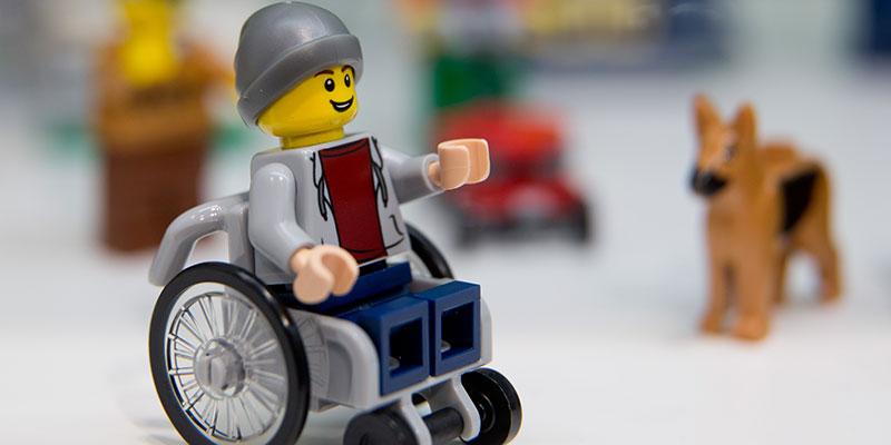 lego-sedia-rotelle